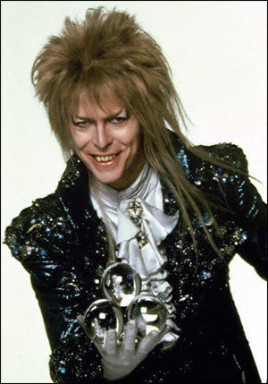 my most favori character out of the whole movie is Jareth, I like his singing(a lot!)