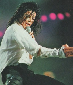 I 愛 this style and the billie jean :))
