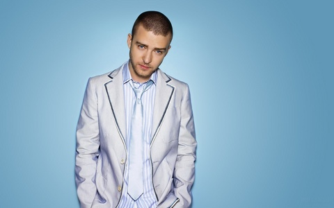 Justin Timberlake, he is my smexyyyy I would tình yêu to sing Dead and Gone with him (even though he only featured in that song, I'd DIE to sing that with him <33333333333333)