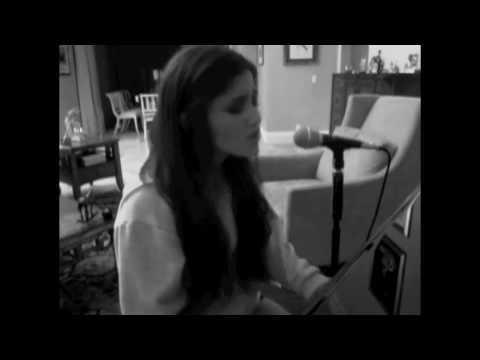 ARIANA GRANDE chant Stu's song