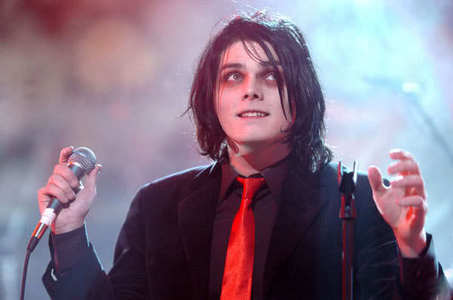 Here, try to draw this dude...Gerard Way...btw he has brown eyes....if u want u can make him a girl?..plez?, I really want someone to draw him