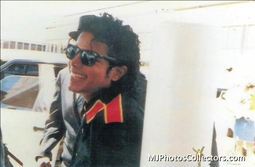 His smile is the best thing that you'll ever see in your life :D!! I upendo his smile <3!! He's the best, cutest, sexiest, hottest, sweetest, most magical, etc.. man on earth (actually heaven) I upendo wewe MICHAEL <3