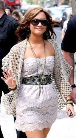 i Любовь dis one....she is way cute..!!!plz vote if ya like!!:))