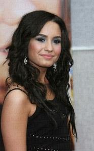Demi Lovato!!!!!!!!!!! i 爱情 her sooooooooooooooooooooooo much!!! :3