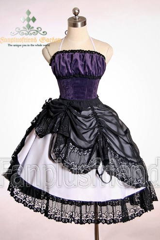 """गॉथिक Lolita (ゴスロリ also GothLoli, या Elegant गॉथिक Lolita, EGL shorter) in जापान in the 1990s developed into young women's dresscode. Style of the premises and the main influences are the Victorian and Rococo era children's clothing and चीनी मिटटी, चीनी मिट्टी के बरतन dolls. Japan's style is mostly fun for young people Sunday as the school uniform dress code to restrict everyday life. Complete गॉथिक Lolita outfit is often both expensive (store-bought outfit value is easily over 500 million) that the onerous position, so it takes place mainly on the Tokyo दिखाना up eccentricity nuorisomuodistaan famous Harajuku district, especially in the Meiji Yoyogin in the park surrounding the temple, where many start-up bands occur. Today, Lolita is also और common outside of जापान and Western countries. गॉथिक Lolita in जापान contributed to the popularity of Visual Kei bands feminine members. Mana, Visual Kei band, Moi dix Mois guitarist, is widely recognized as one of the largest गॉथिक Lolita's popularity affected persons. Mana is a man, but the band's performances always wears feminine clothes. He created the terms Elegant गॉथिक Lolita and Elegant गॉथिक Aristocrat to describe his own clothing brand Moi-même-Moitién style. Moi-même-complain, is currently one of the most लोकप्रिय and most expensive गॉथिक Lolita brands. गॉथिक Lolita is one of lolita style: others include the Sweet Lolita, Classic Lolita and Punk Lolita. Lolita-style """"big sister"""" again as long skirts Elegant गॉथिक Aristocrat style. Men also agreed to Dandy गॉथिक styles and is often associated with Kodona lolitaan. Neeed और info? :3 *** And Here is one picture of Gothic/Princess Lolita dress ^^ I want that *start drooling*"""