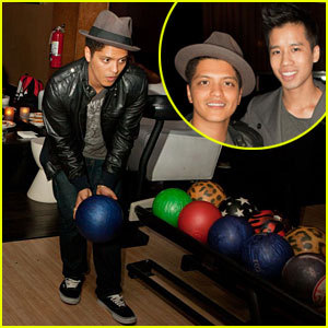 1.I Can Do That, No Problem. 2.One Bruno Mars Pic Coming Up!