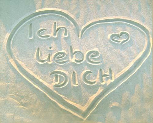 """it's """"Ich liebe dich"""" in german <3"""