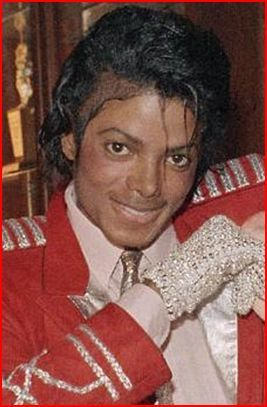 It depends on my mood on which pic that Michael is hot which is all of them!:-) Right now this pic is hot...hehe!