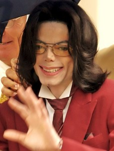 "Yes, he is very beautiful!! Look at this pic, awwww!! Mike:"" Oooh come on, Im shy! :D"" We প্রণয় you, আপেল head ;))"
