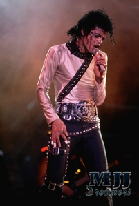 Oh.. is great, that's true!! thanks a lot!! I শূকরী these pics on some other sites.. mjjcmmunity and others অনুরাগী clubs.. but I didn't check out for the site.. is gorgeous!!! ♥♥