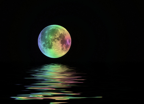 Okay, I'll যোগদান since I like bright রঙ as well(Look, a রামধনু colored moon :D)...