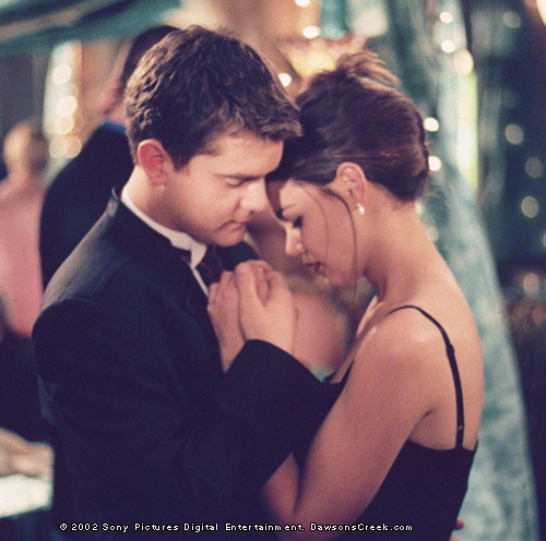 Pacey/Joey from Dawson's Creek! They were the 1st couple i shipped, and they're still my fav! ;)
