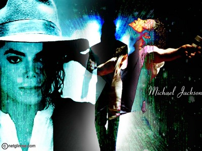 Michael Jackson is sexy and his eyes re sexy too :p♥**