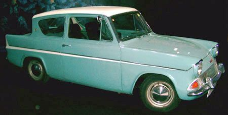 Mr Weasley's Ford Anglia.. This car FREAKING FLIES!!