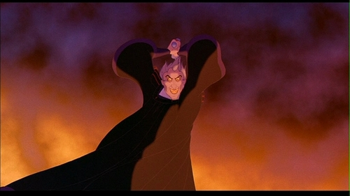 Frollo may be a psychopath, but he's just such a complex, fascinating character. He's got what is easily my 가장 좋아하는 villian song, and his voice is DELICIOUS.