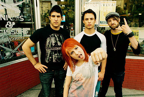 Great way to get attention. xD The best band is Paramore.