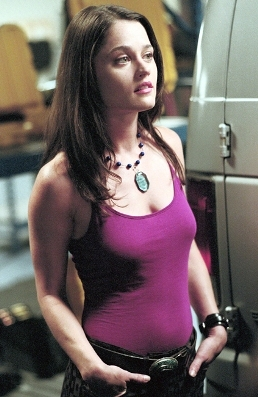 I would upendo to look like Robin Tunney, she's so pretty.