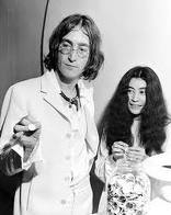 i pag-ibig john and yoko such a great couple plus they r just perfect 4 each other. they both make me happy inside