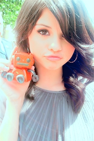 selena gomez (the pic is off my phne my friend sent me it)
