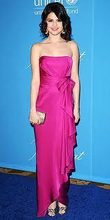 OMG She is SO pretty!!<3 SELENA YOU ROCK!