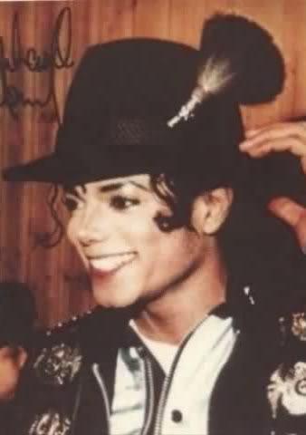 My favorito singer is Michael Jackson :*.*:*♥♥
