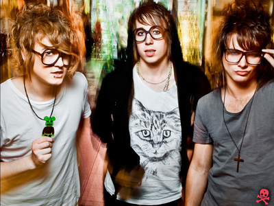 short stack<333 the best band ever:)