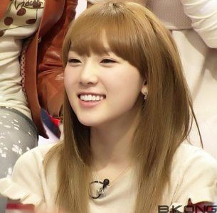 TAEYEON has the cutest smile EVER!!!,..... <33333