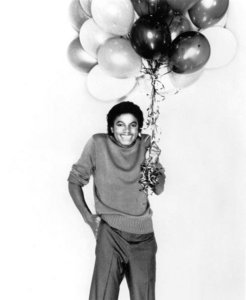 I was at my mom's apartment walking out of my room to the jikoni with my sister. I was getting my stuff ready to go to my dad's house later on that day...I walk past the TV, it's about 1 au 2 o'clock. I hear Michael Jackson was hospitalized..My eyes stayed on the TV for maybe an saa and a half. My moyo just crushed at that moment becuase I knew what was coming next. Anyways, I went to my dad's house later on and a friend told my dad to tell me that MJ was gone. I just remember crying for the inayofuata 2 days...I was miserable..I couldn't get him out of my mind.At first I was like this can't be true because one news station was saying that mj was hospitalized, others alisema he was dead...It was really confusing because I didn't know who to trust....I was so heartroken=( I was miserable for like a mwezi because my birthday is like June 11...it was my 13th birthday...so maybe 2 weeks later my I find out my idol is gone????