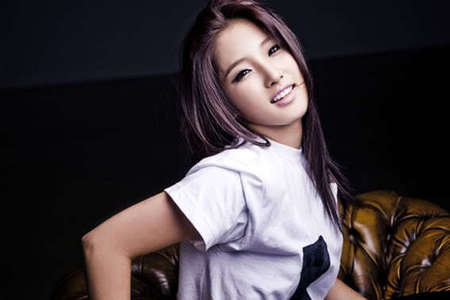 JiHyun ! because she's so talented and she's (i think) the most gorgeous member of 4Minute! :D 4Minute FIGHTING!!