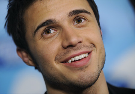 I only have one celebrity crush. ♥ Kris Allen♥