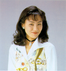 I don't read that much, so I'll just post a picture of my inayopendelewa mangaka, Naoko Takeuchi.