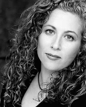 Jodi Picoult. She's an amazing author!