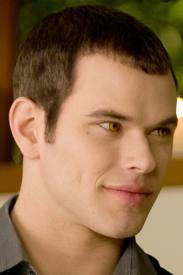 i think emmett is stunning!!! totally sexy, one of my faves, lovin his dimples