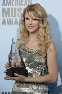 I have alot! But my idol is probably Taylor Swift. She's been pag-awit for so long and hasn't once even got off track. :)