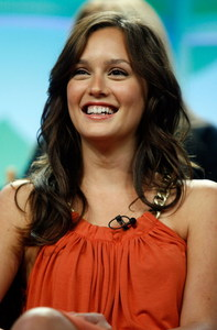 I strongly dislike her show, but I've gotta say. Leighton Meester is gorgeous.