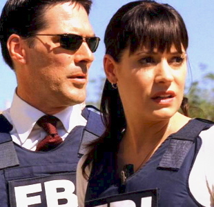 Well something tells me that she is gonna be back and if she is I would 愛 to see her with Hotch, they make such a beautiful couple, I 愛 them even in real life I would 愛 to see them!!!!