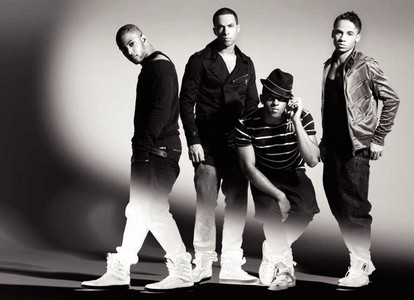 AT A COOKIE PARTY WITH JLS!!!