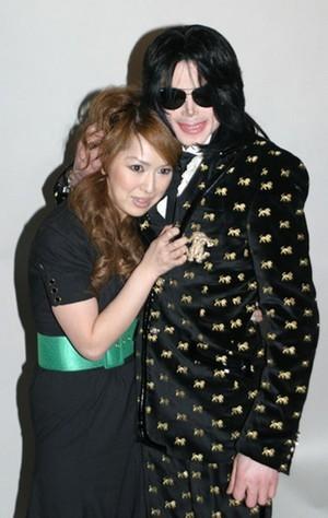 Michael Jackson she's white lady