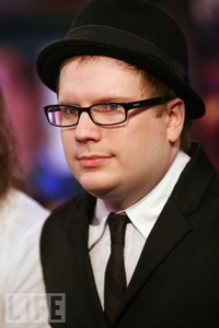 PATRICK STUMP!!!!, AND HE'S MINE SO STAY AWAY FROM HIM >:)