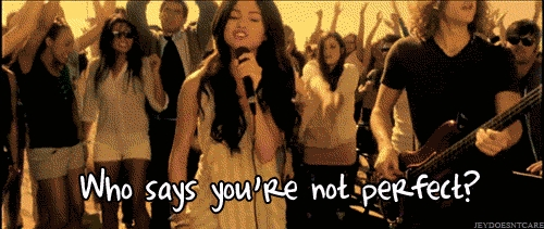 """That awkward moment when Selena Gomez tells """"Who Says your not perfect"""" and Miley جوابات with """"NOBODY'S PERFECT"""""""