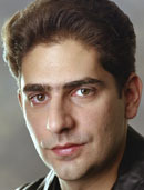 I'm sure bạn already figured this out, but Michael Imperioli :)