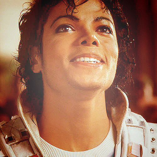 Add One Pic With MJ Smiling, Picture That You