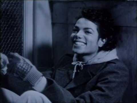 aand why would such a jerk do that? I have a gazillion MJ pictures on my PC..... it will take me weeks.. MONTHS to give wewe all my pictures... LOL maybe wewe should just let me e-mail some.. xD