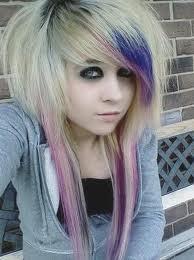 i die my hair >.<
