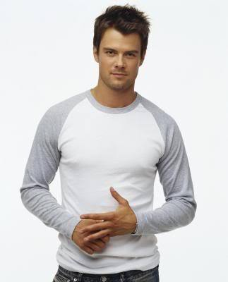 "josh duhamel is my fav celebrity!!XD:) BECAUSE HE DOING BEST IN HIS ACT IN ""LAS VEGAS"""