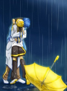 I prefer Kaito and Len personally... awww 愛 this picture...