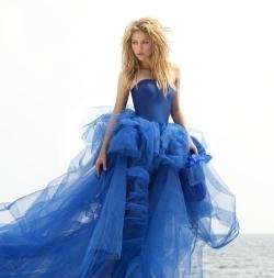 1)Shakira 2)ke$ha 3)Miley Cyrus