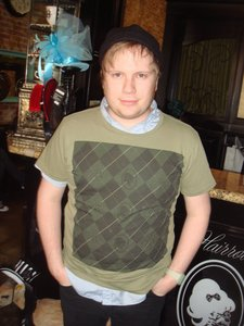 I'M FREAKIN OBSESSED WITH PATRICK STUMP(he's the cutie in the pic but he;s my cutie ^^) WHO IS MEH LOVE!!! and MINE SO STAY AWAY FROM HIM!, HE'S MY SEXY BOY >:(, I have 3 thêm obsessions so I'm gonna name em, I'm also obsessed with 2 bands, My Chemical Romance and The Black Dahlia Murder and lasty, I'm obsessed with the most awesomest hiển thị on Earth!!, SUPERJAIL! :D