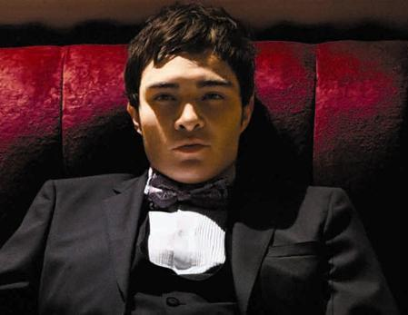 In a heartbeat ;D First of all, he's Chuck Bass! :* secondo of all, he's smart, clever and hot and totally cute when he smiles and of someone who's loving the game, he actually has a heart. I really admire that! Oh! And to hell with him being rich, I don't care I Amore him for who HE is not his money at all. Third of all, I've never giggled and blushed on the same time over a guy... EVER! He's unique to me and I Amore him so freaking much xD At least he's the only one who truely cheers me up lately, just want to give him a huge warm hug for that and a lovely data as romantic as he possibly can make one <333