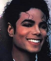 we love each other because its all for love we don't have 2 know the preson Michael zei those three words i love u we have 2 remember Michael loves us we love Michael and we miss Michael i love my fans and i love everybody who commentaar on this lols <3